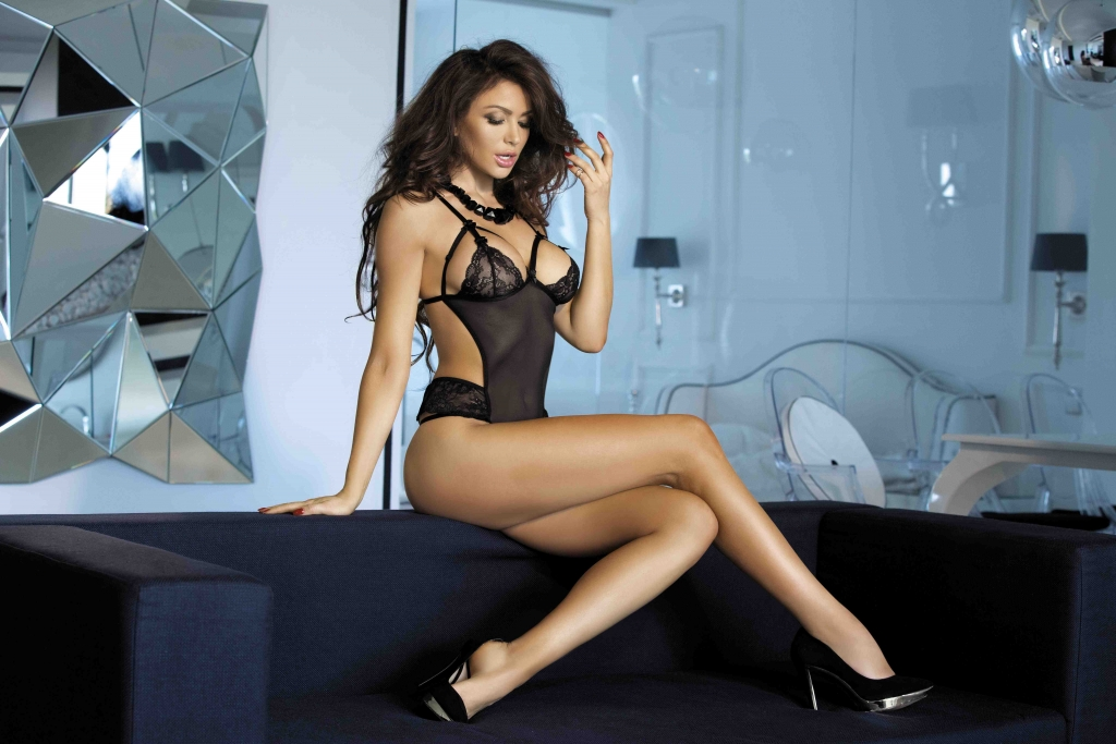 Sexy Tall And Busty Fulham Escorts