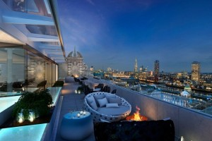 Radio Rooftop Bar Esquire London