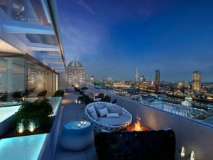 Radio Rooftop Bar in London